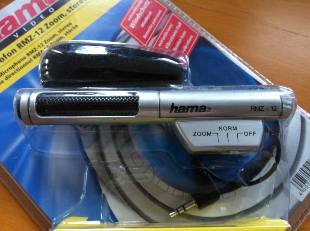 Das eingeschweißte Hama RMZ-12 Zoom - bestellt bei Amazon.